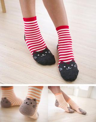Cat-Socks-with-Stripes01.jpg